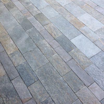 pavimento a spacco naturale colore misto formati vari a correre LATI SEGATI